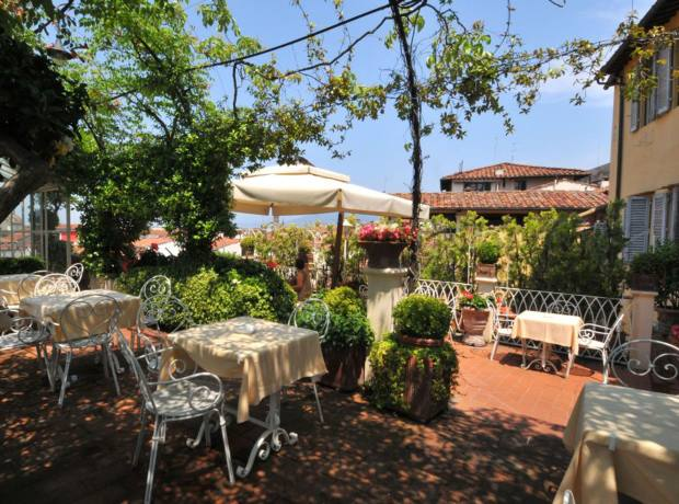 The terrace of the Hotel Tornabuoni Beacci in Florence.