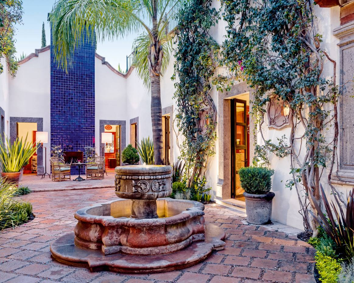 The courtyard in Hotel Amparo