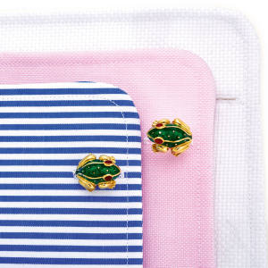David Webb enamel and vitrum pastae frog cufflinks, sold for €4,750 at Sotheby's