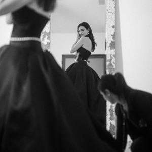 Penelope Cruz getting ready for the 2020 Oscars, wearing a custom-made Chanel belt