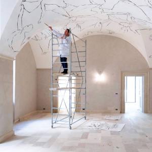 Roberto Ruspoli working on a ceiling inLecce's Palazzo Maresgallo