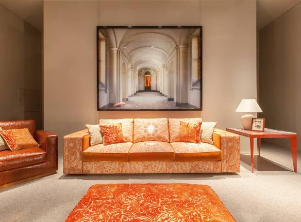 Sofa upholstered in Etro jacquard-velvet, price on request.