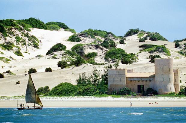 Dhow sailing off the island