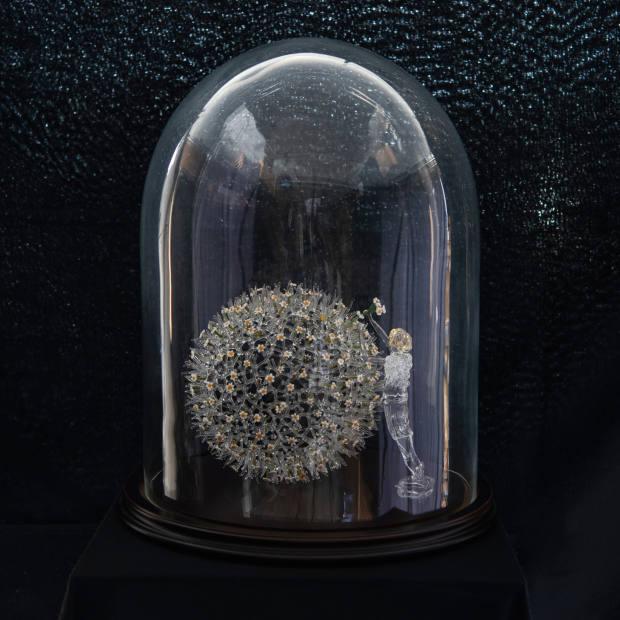 L'artiste by Anne-Claude Jeitz and Alain Calliste, €6,224