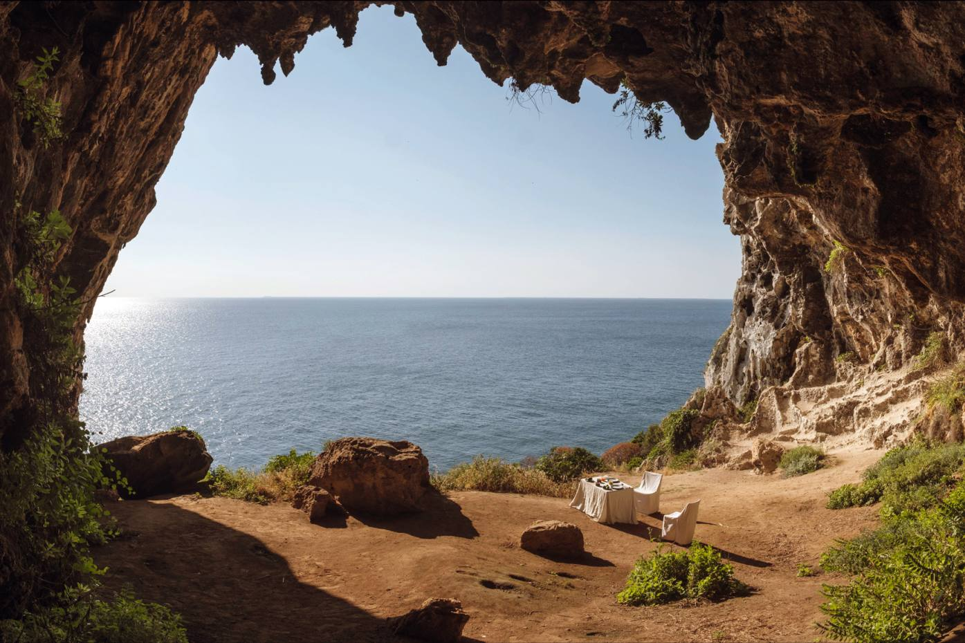 "700,000 Heures' ""wandering"" hotel features breakfast at sunrise in a cave overlooking the Adriatic Sea in Puglia"