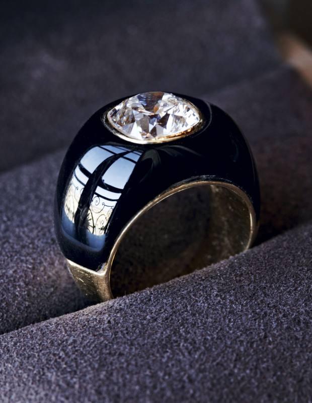 Béatrice de Plinval's signet ring.