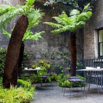 Keeper's House, a club for Royal Academy members, is tucked away within the RA's redesigned site