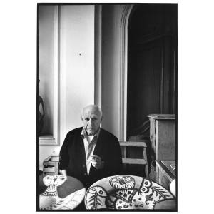 Picasso with two of his bird ceramics, photographed by David Douglas Duncan at Villa La Californie, Cannes, in 1957