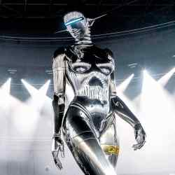 The 11.9m-high robot that Hajime Sorayama created for Dior's 2019 runway show in Tokyo