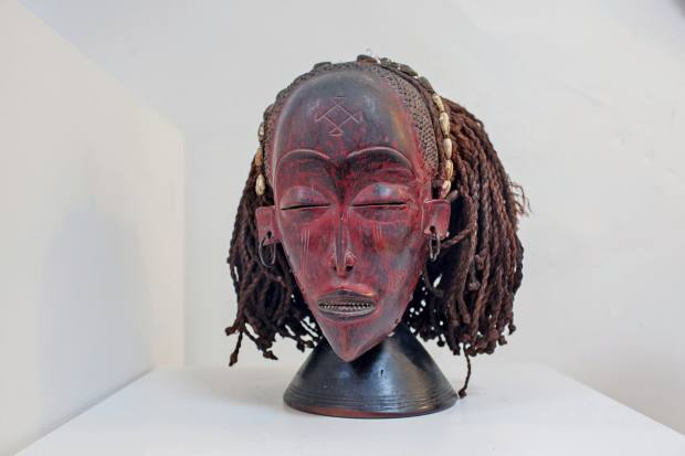 African tribal mask, €11,500