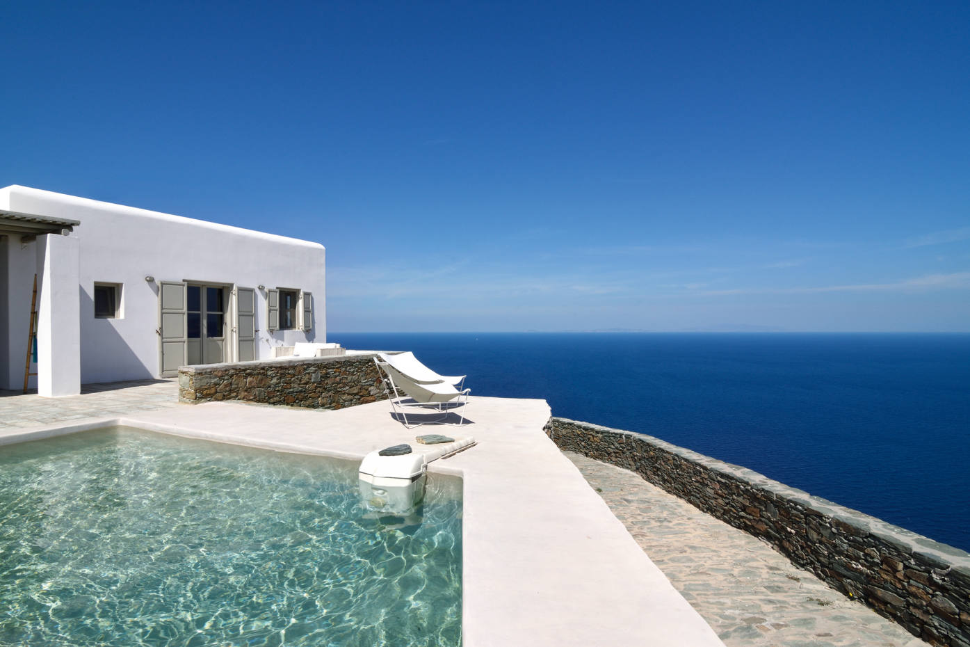 This charming property on Folegandros is the only rental villa on this relatively undiscovered Greekisland with aprivate pool