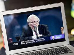 Berkshire Hathaway shares vs. an S&P 500 tracker