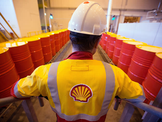Shell pummelled by oil price and $16.8bn writedown