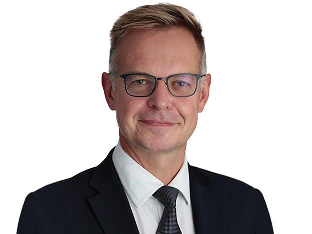 Adrian Gosden backs UK for income