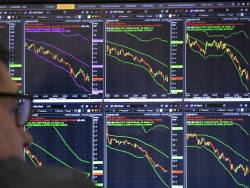 3 reasons crashing markets mess with your mind