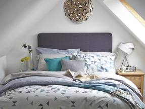 Dunelm warns on fourth quarter