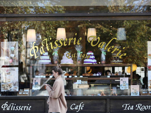Patisserie goes from cake to fake?
