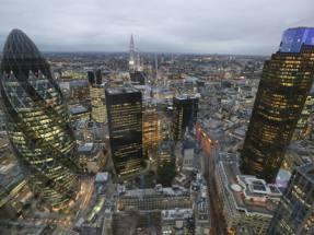 UK commercial property deals slump