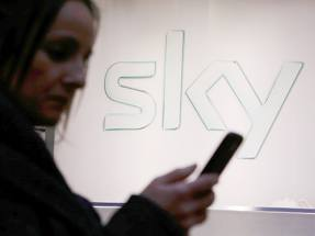 Sky shareholders await bidding war