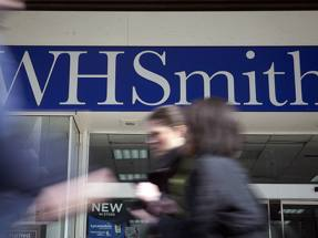 WH Smith chief to exit