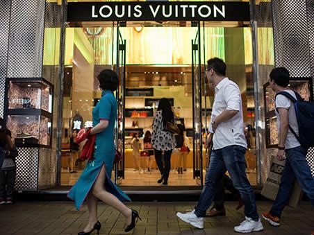 Luxury spending rush adds sparkle to diamond industry