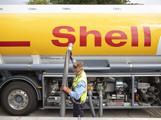 Cautious but canny Q3 for Shell