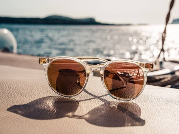EssilorLuxottica sues its takeover target