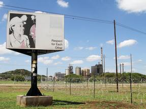 Lonmin delays results and raises fears