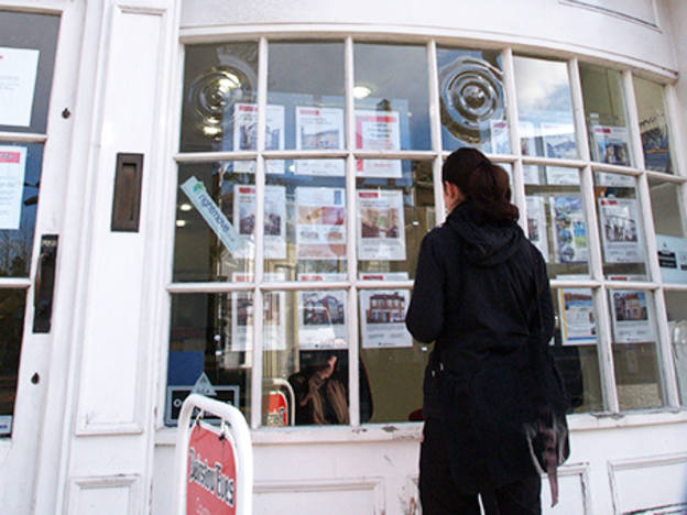 Estate agents exposed as the tide rolls out