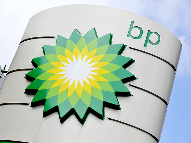 Dividend boost from departing BP boss