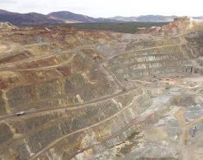 Atalaya shuts mine on government orders