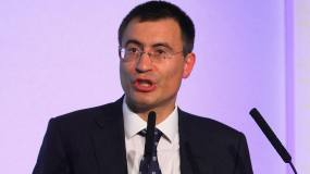 Article image: Hedge fund manager Hohn steps up campaign over banks' fossil-fuel loans