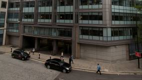 Article image: Linklaters cancels partner payouts to conserve cash