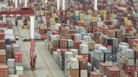 Article image: Coronavirus brings global shipping to brink of paralysis