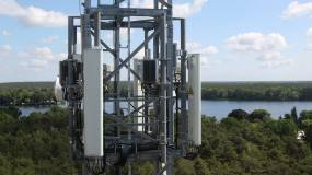 Article image: American Tower buys Telxius for €7.7bn in European push