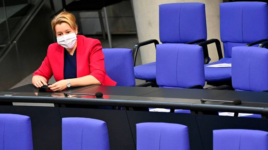 Germany agrees to mandatory quota for female executives