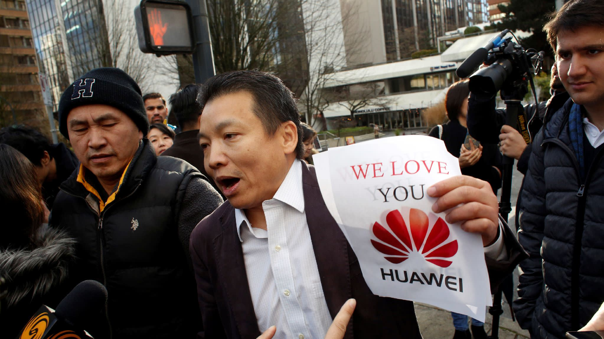 Chinese companies rally around Huawei after CFO arrest ...