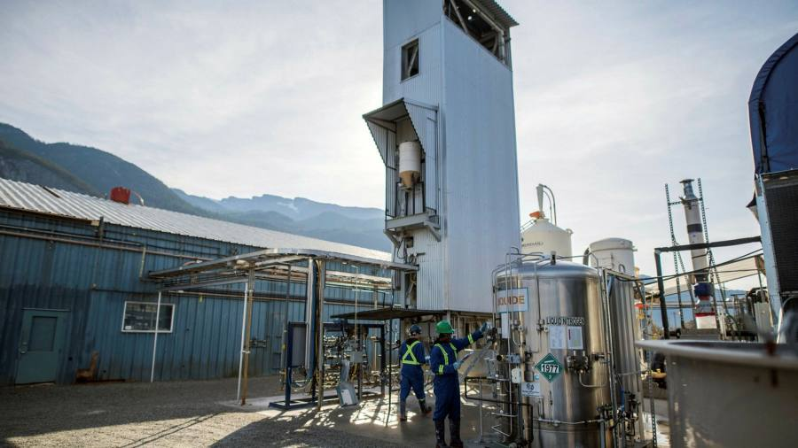 Clean tech offers breath of fresh air for carbon-reliant Canada