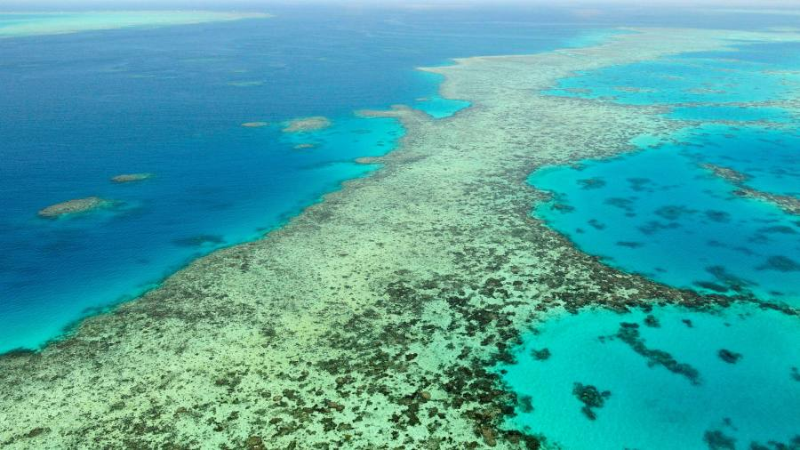 Australia calls the Great Barrier Reef a politically motivated warning