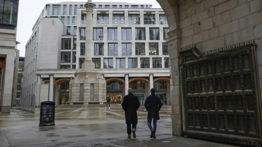 Large LSE shareholders support Refinitiv's additional expense