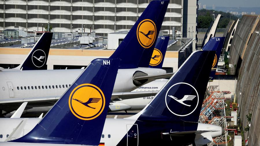 Lufthansa looks to repay German bailout with €2.1bn share offer