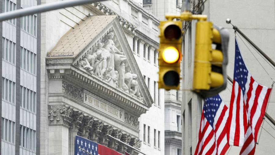 Small signs of life return to US economy