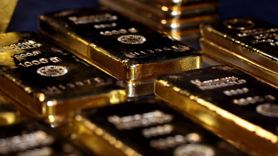 Kinross to Purchase Dividend in Seven Decades With Gold Rallying
