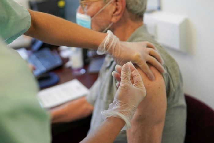 Latest coronavirus: New Zealand steps up vaccination rate as it reports more cases