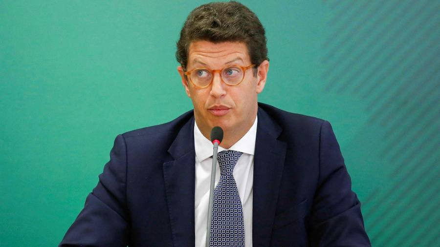 Brazil's police target environment minister in smuggling probe