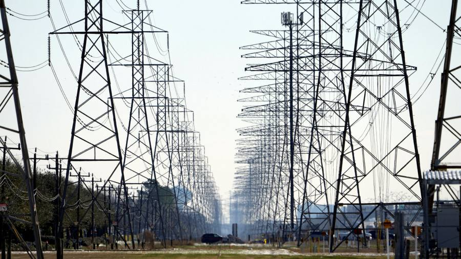 """The Fed is urging Texas to """"winter"""" $ 130 billion after storms hit the grid"""