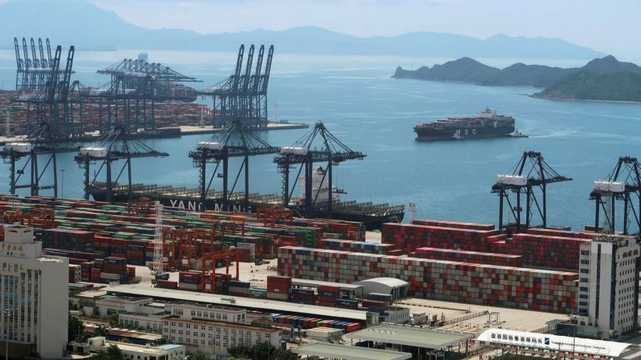The covert appearance at the Chinese port exacerbates delays in the global supply chain