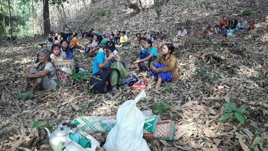 Myanmar refugees flee to Thailand after military attacks