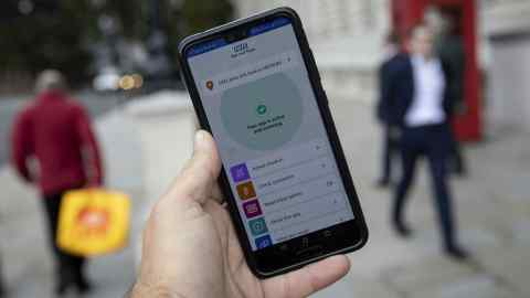 UK ministers urge public not to delete Covid app