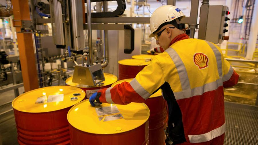 Brokers shun oil ETF providers over regulatory risks